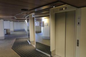 Photo Accès ascenseurs public niveau A